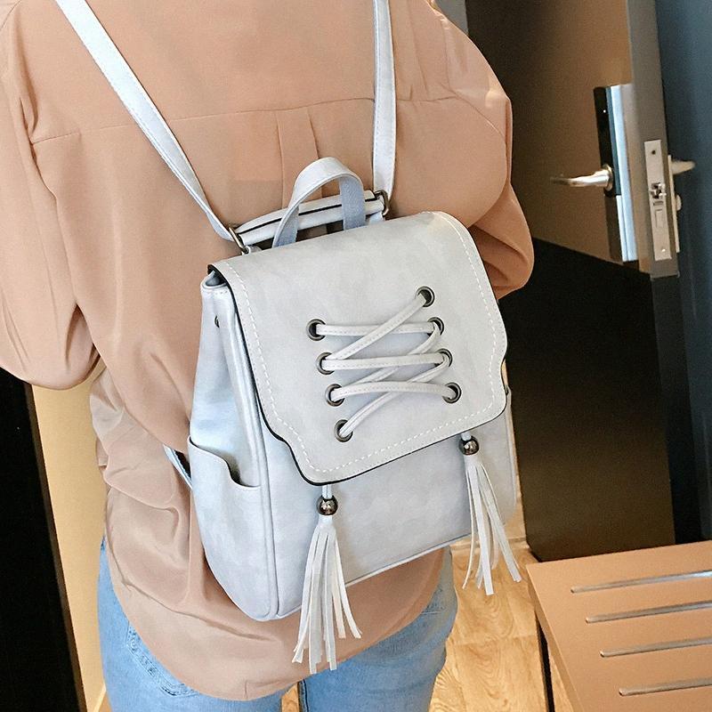 2020 neuer koreanischer Rucksack der Frauen beiläufige Art und Weise Niet Rucksack Mini Multistudententasche TDqK #