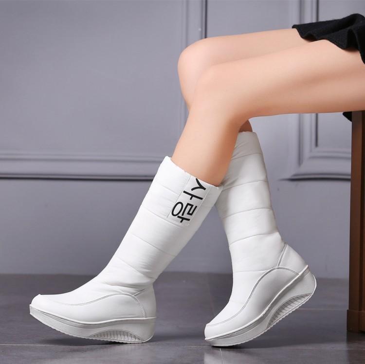Colores para mujer 3 Down Snow Shoes South Corea Plataforma Mid-becerro Relleno de mujer Botas de invierno YRA2