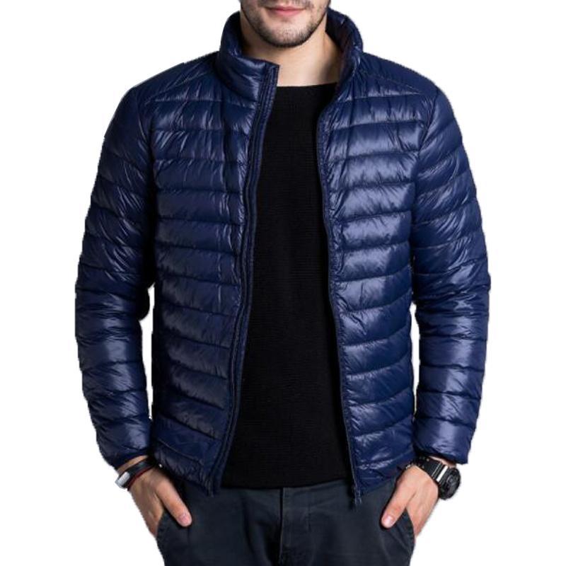 Down Jacket Uomo Casual Primavera Autunno Inverno collare del basamento di moda cappotto caldo Mens Ultra Light Thin White anatra Piumini 4XL