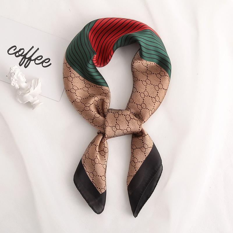 2020 nuove donne Sciarpa di seta Sciarpa Square Foulard Lady's Collo Capelli Sciarpe Design a righe Stampato Testa Cavolo Kerchief Moda Girl Capelli Sciarpe