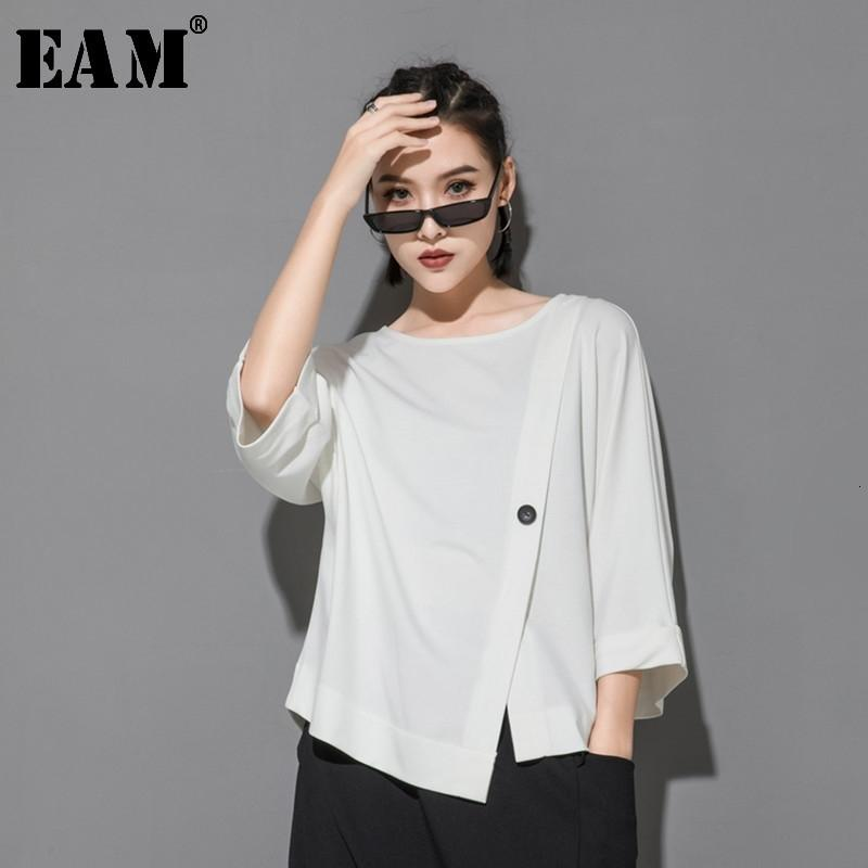 [EAM] New Spring Summer Round Neck Three Quarter Sleeve Hem Irregular Button Big Size T-shirt Women Fashion Tide JT233 200925