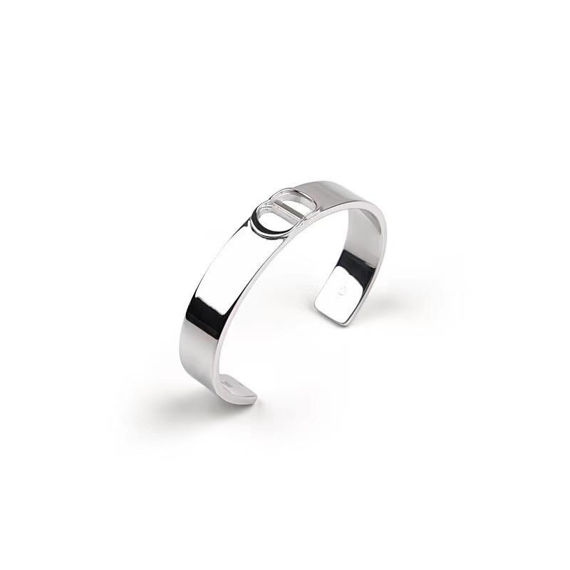 2020 CD CD Master Design Fashion Bijoux Men's Exquis Hommes Bracelet Simple Relief Design Bracelet Cadeaux de vacances