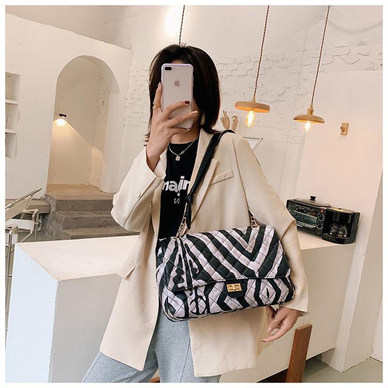 Дизайнер Высокая цепь плиссированная сумка для плеч искусственная кожа роскошный кошелек сумка металл толстый клип 2020 женские женщины качественные мягкие моды XPRM