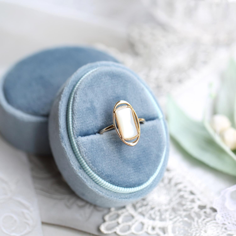 S925 Silber Charme Oval Form Ring mit weißer Special Shell Vintage Designer für Frauen Hochzeit Schmuck Geschenk Freies Verschiffen PS8899