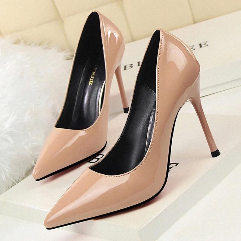 Femmes Pumps Classics OL Talons hauts pour femmes Chaussures Cuir Pattent Cuisines Concises Chaussures Femme Femme Mode Stiletto 9196-1 # PZ4J