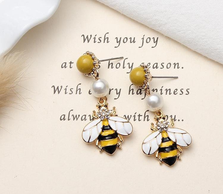 Oro Giallo Designer Bee Orecchini per le donne alla moda Bee Pearl Cute Bee Dangel lungo stile della vite prigioniera del regalo gioielli per Women44