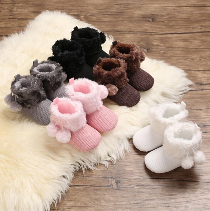 Детские осень зимние ботинки девочка мальчики зима теплая обувь сплошной мода малыша нечеткие шарики первые ходунки детские туфли 0-18м