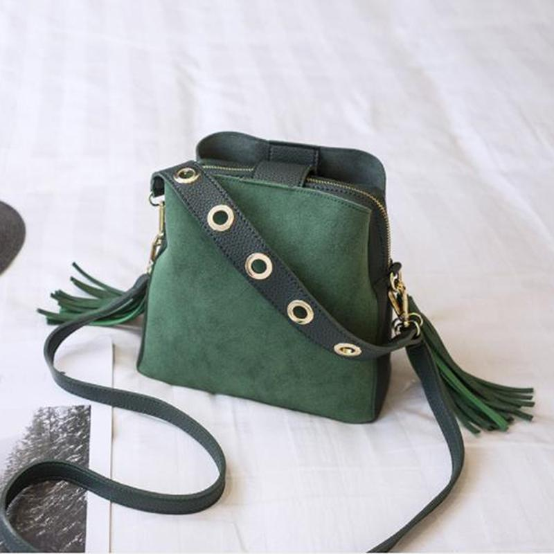 Daily Bookbody Sac Girls Femmes Sacs à main Sacs PU Gakee Tassel Nouveau pour Schoolbag Femelle Brand Sacs Sucket Sac FLAP Scrub DWLSQ