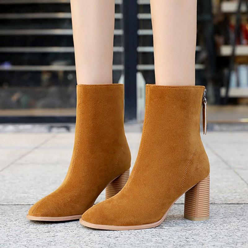 Женщины высокой пятки носка сапоги 2020 осень черный Flock Короткие меховые сапоги обувь Мода зима Женщины Белый Коричневый Теплый Плюшевые лодыжки