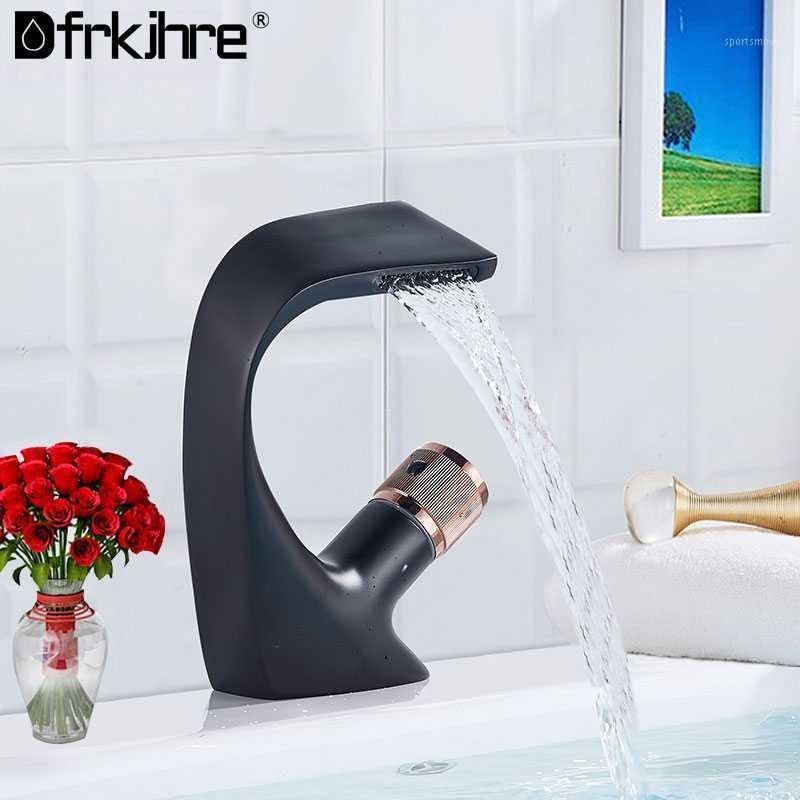 Ванные комнаты раковины бассейна одноразовая ручка холодно / смеситель водопад палуба мокрые кран черный водопроводный кран аксессуары1
