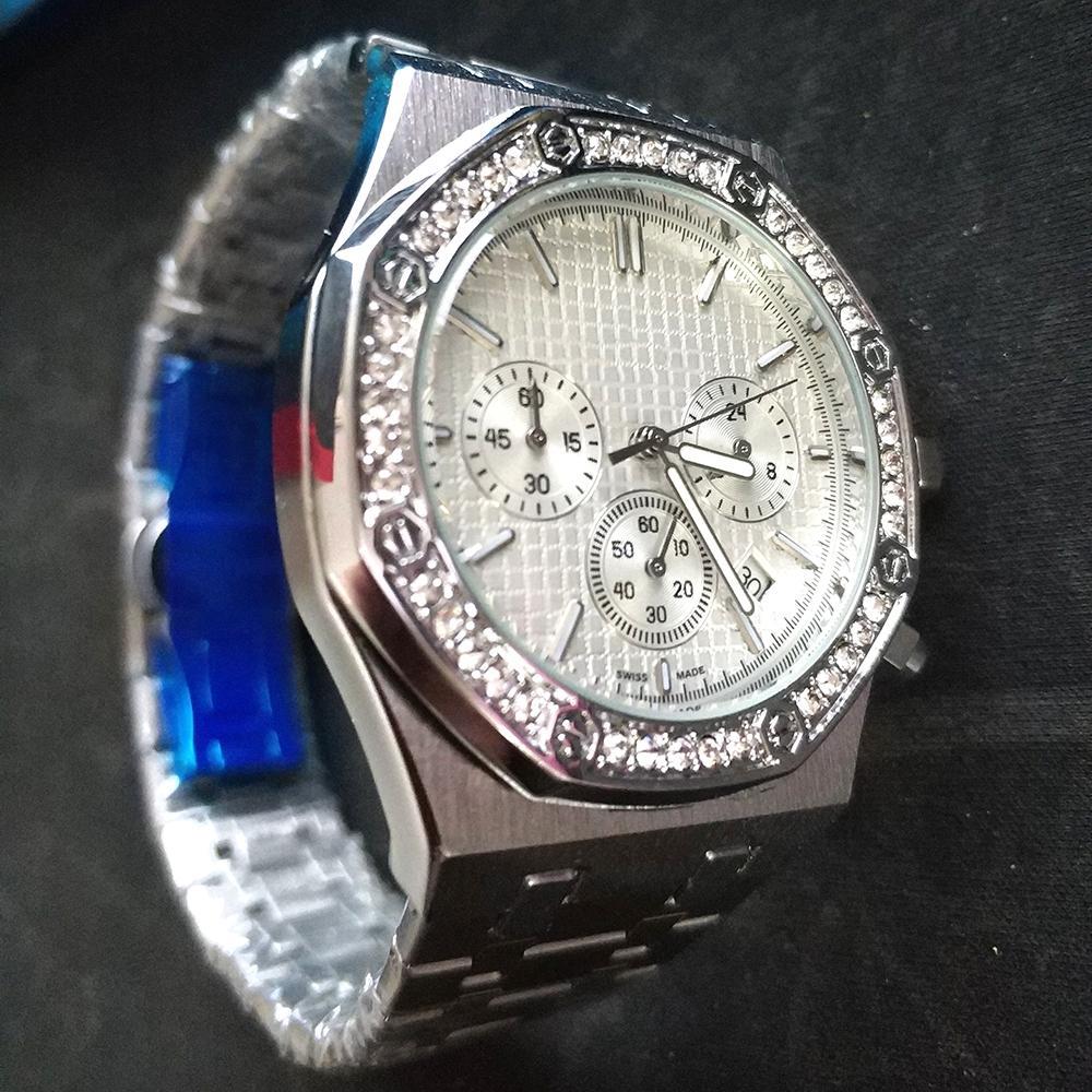 أعلى بيع رجل الساعات جميع الطلب العمل أزياء ووتش كلاسيكي نمط 42 ملليمتر الفولاذ المقاوم للصدأ جودة عالية للماء حركة الكوارتز ساعات الكرونو