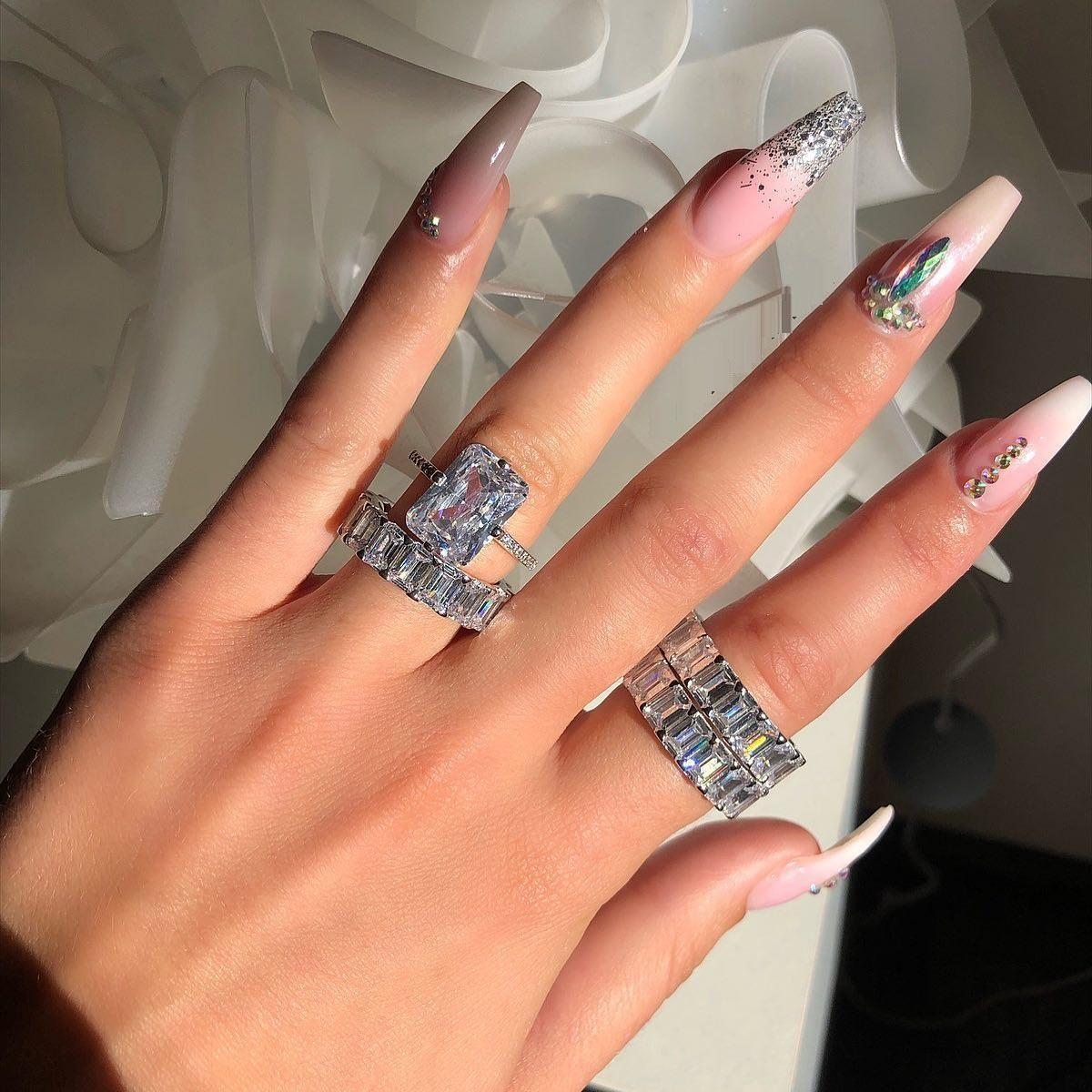 Commercio all'ingrosso donne classiche impilando cz eternity banda baguette cubic zirconia anello di fidanzamento per le donne # 5 # 6 # 7 # 8 # 9