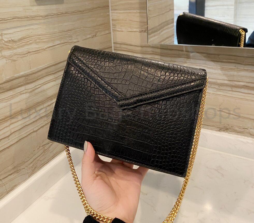 Sacs de bandoulière de qualité supérieure de luxe designers Mode Lettre Sacs à main Femme Sac à main Lady FLAP 2021 Chains Sacs à bandoulière Sac enveloppe