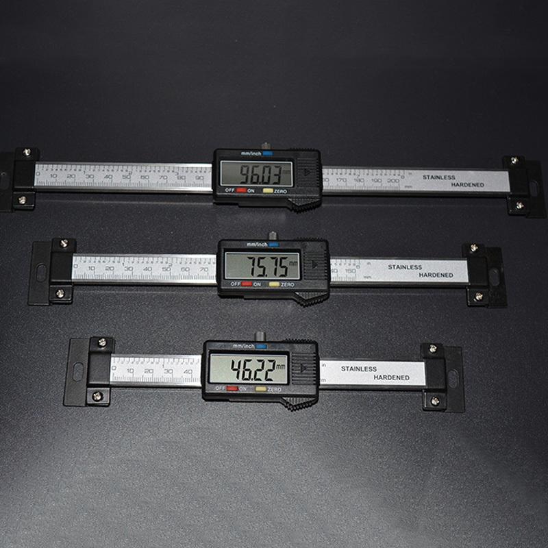 150mm رنيه الفرجار الفولاذ المقاوم للصدأ وحدات مقياس أفقي رقمي أفقي شاشة LCD الإلكترونية بوصة / MM أدوات الميكانيست T200602