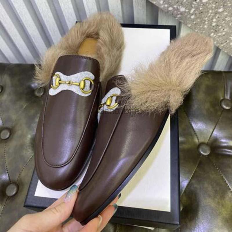 New Designer Fashion women Slippers Princetown Genuine leather loafers Fur Muller slipper with buckle Casual Fur Mules Flats MN1