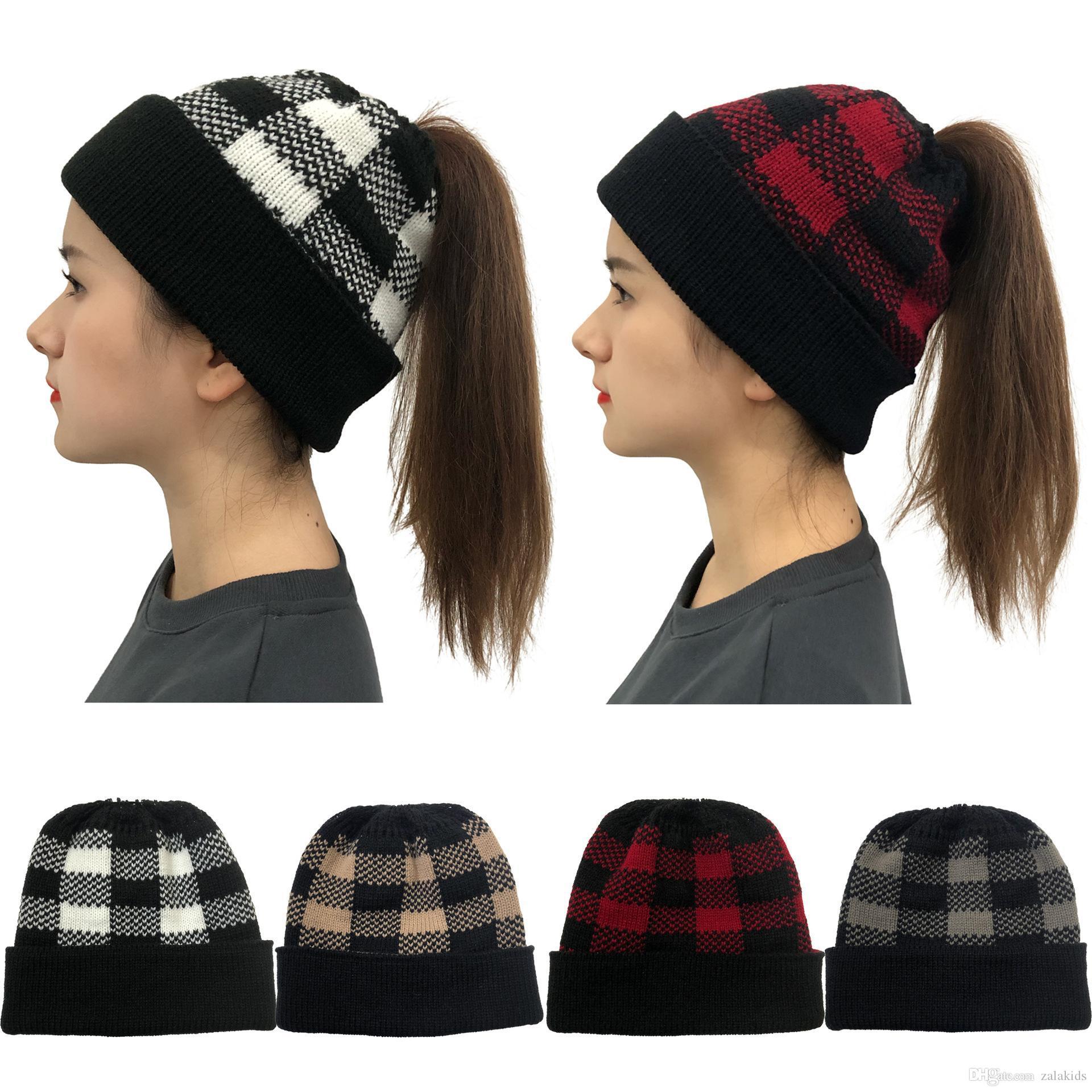 Caliente de la moda de invierno de punto tela escocesa Mujer del sombrero de béisbol cola de caballo Crochet el casquillo del cráneo Señora al aire libre Compruebe Caps esquí fiesta de Navidad Sombreros