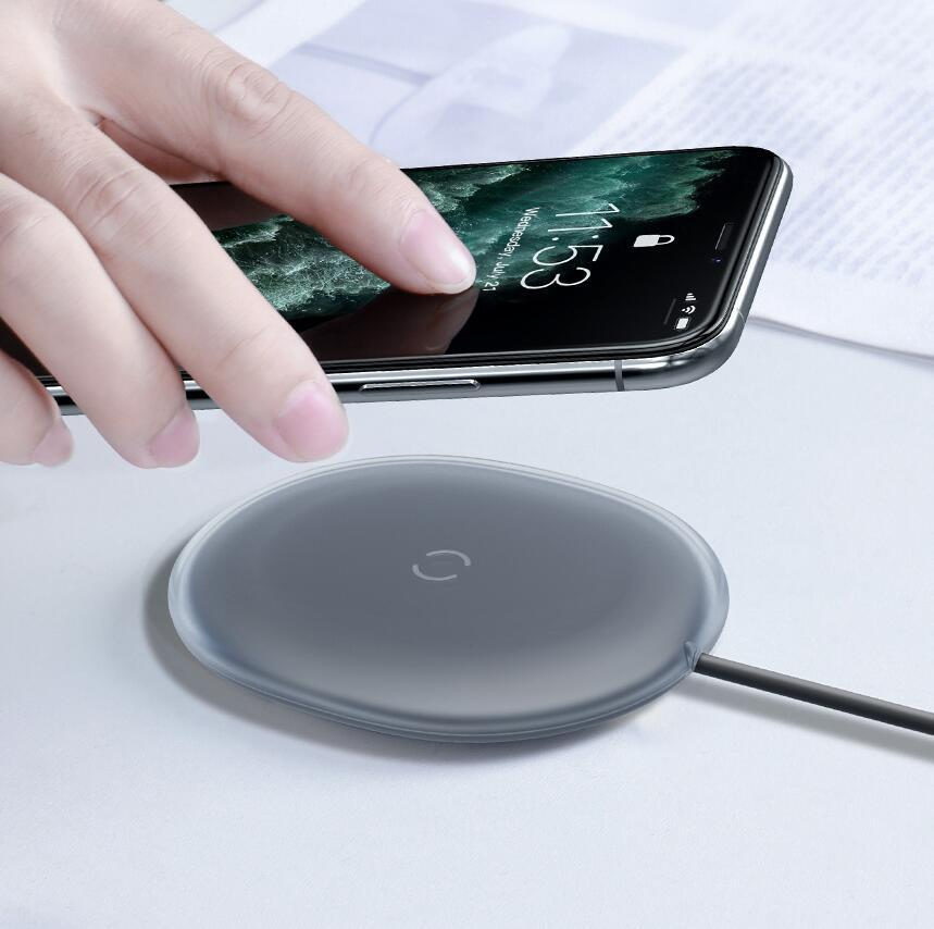 Baseus 15W Wireless Charger For iPhone 11 12 Xs Fast Charger Qi Wireless Charging Pad For Samsung S20 S10 S9 Note