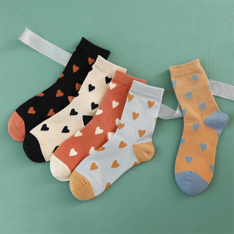 Tube automne et nouveau style d'hiver chaussettes dames aiment chaussettes de coton fabricants de chaussettes de gros femmes