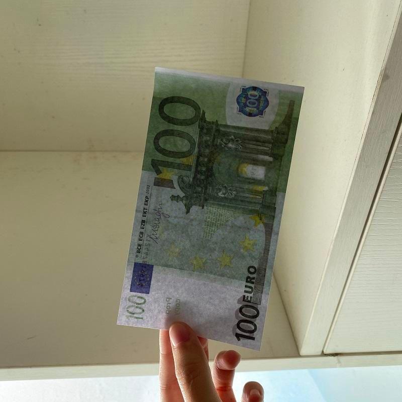 Euro Stage Toy Counterfeit 100 Banconote Banconote Birthday Prop money Vendi Hot Euro Atmosphere Soldi Bar Pistola con contraffazione Party-118 2020 DCrum