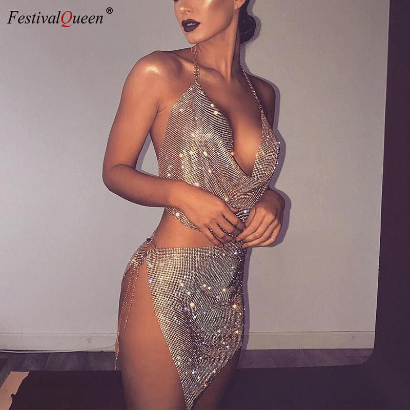 FestivalQueen kadın Rhinestone Pullu Set Sparkly Altın Gümüş Halter Backless Derin V Kırpma Üst Kristal Metal Bölünmüş Mini Etek T200716