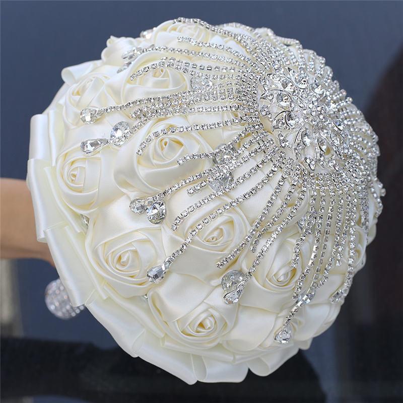 Gorgeous Ivory Bouquets Silk Rose Bridesmaid Holding Artificial Flowers Wedding Bouquet Handmade Diamond Bride 's Bouquet W702