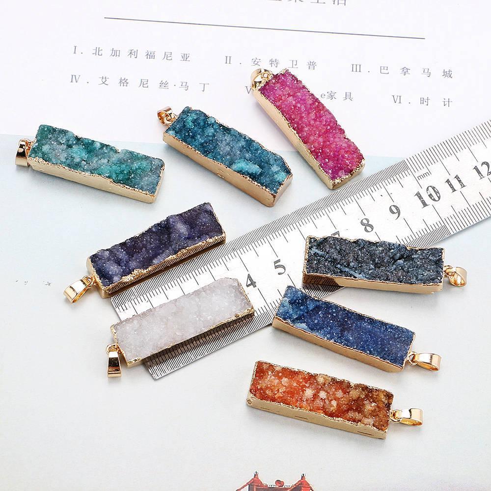 الحجر الطبيعي العوضة المعلقات سحر الحجر الطبيعي كريستال سحر قلادة قلادة الكريستال قلادة من صنع المجوهرات قلادة diy أعلى جودة فتاة