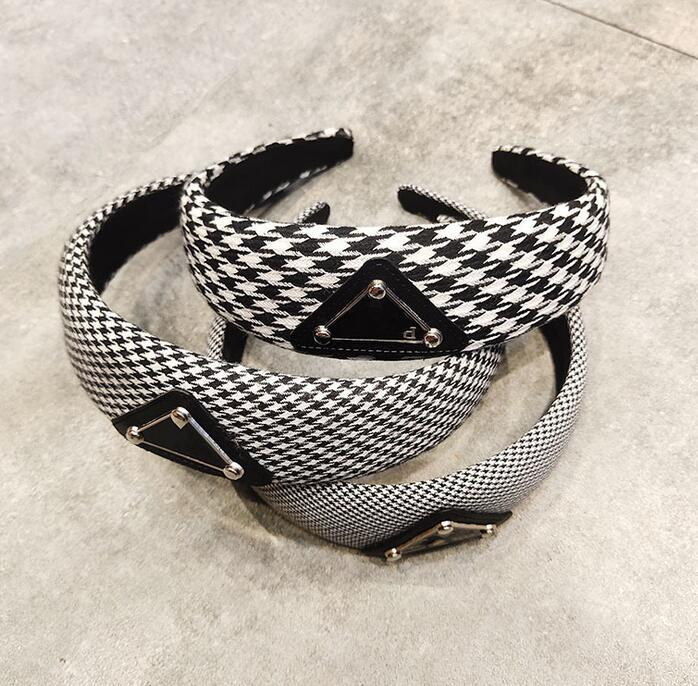 P-Familie Marke Luxury 2020 Designer Letter Print Grid Logo Stirnband für Frauen-modernen klassischen Querknoten Haarband-Haarbänder