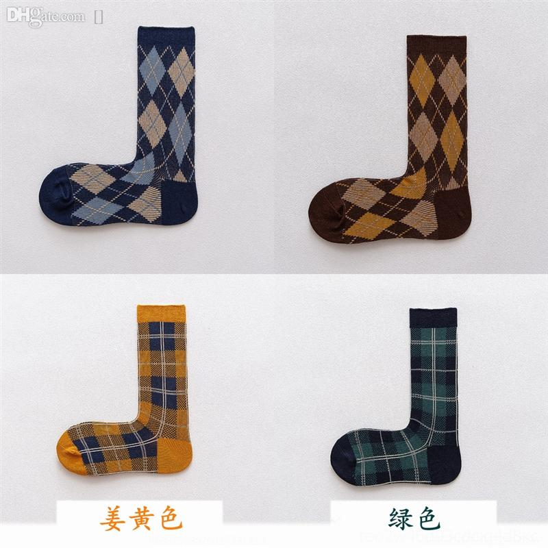 4YT Bahar ve Sonbahar Pamuk Tüp erkek Pamuk ve Çorap Japanesesolid Renk Sporları Sonbahar Ve Kış Orta Çorap Casual Kadın Renk