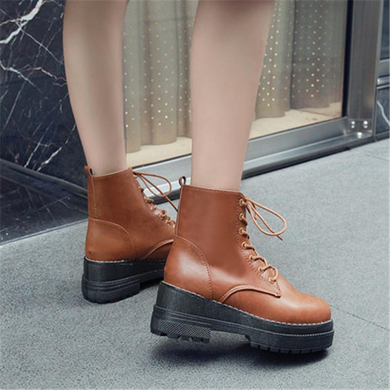 2020 Mode-Herbst-Winter Wohnung Warm Stiefeletten Frau Chunky Sneakers Plattform PU-Leder-Stiefel schnüren sich oben Frauen Schuhe Botas Mujer
