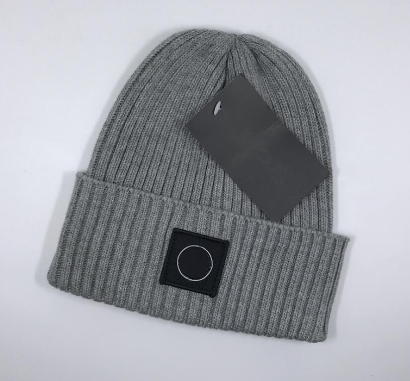 뉴 프랑스 패션 남성 니트 hatsForeign 무역 모직 모자 디자이너 모자 남성과 여성의 따뜻한 털 모자