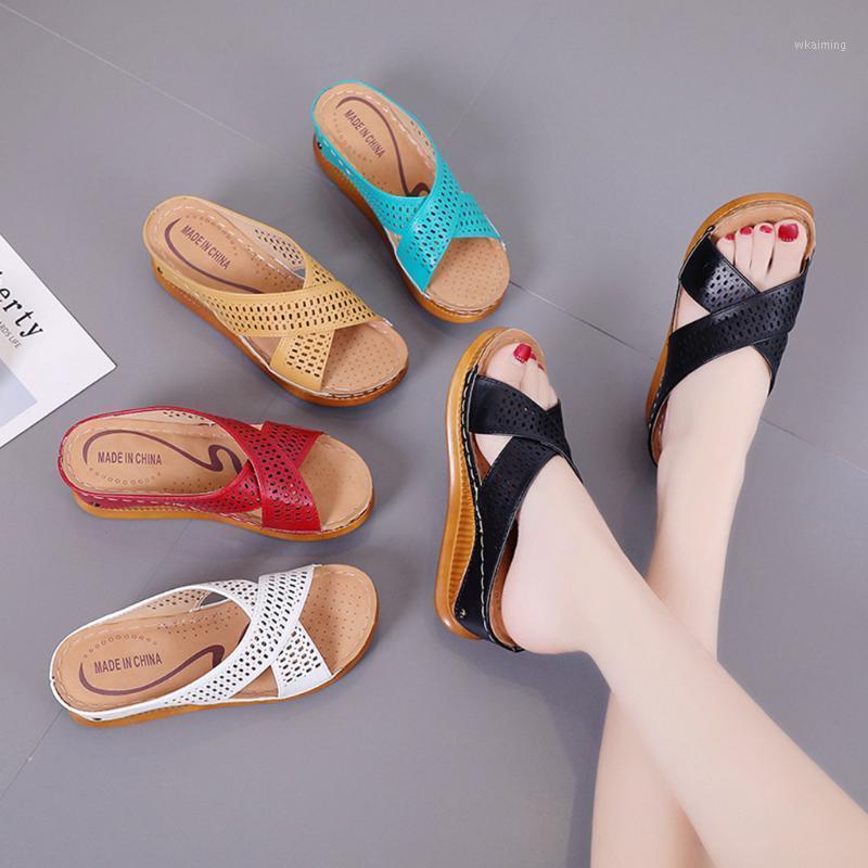 Тапочки женская мода повседневная скольжение на высоких каблуках толстые платформы обувь на открытом воздухе дамы милый пляж1