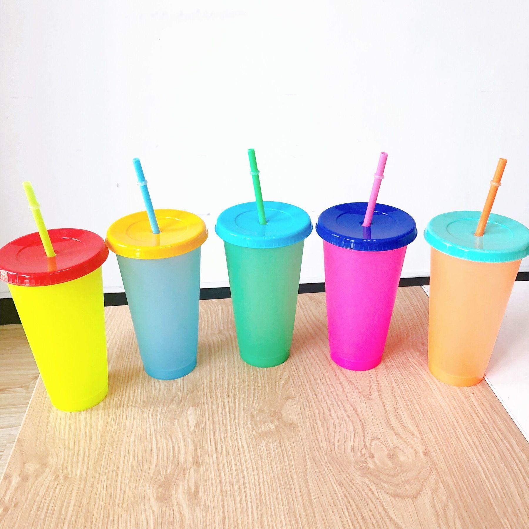 700ml Farbwechselbecher Magie Kunststoff Trinken Tumbler Tasse mit Deckel Stroh Süßigkeiten Farben Wiederverwendbare Kaltgetränke Wasserflasche Kaffeetasse Ahrd