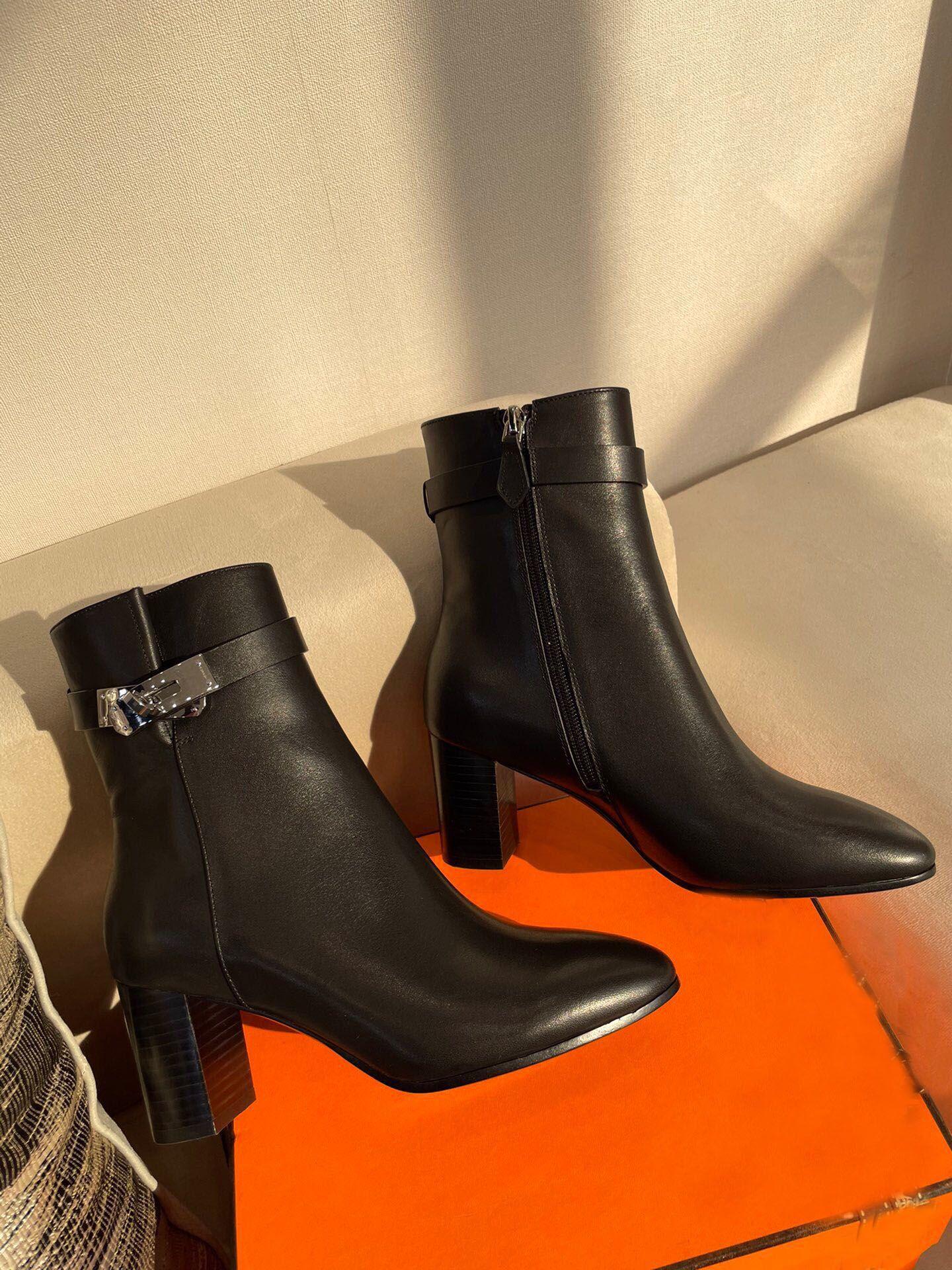 Kış Moda Lady Tokaları Kelly Martin Çizmeler Kahverengi, Siyah Deri Kadın Ayak Bileği Çizmeler Tıknaz Topuklu Mükemmel Kalite Lady Knight Booty