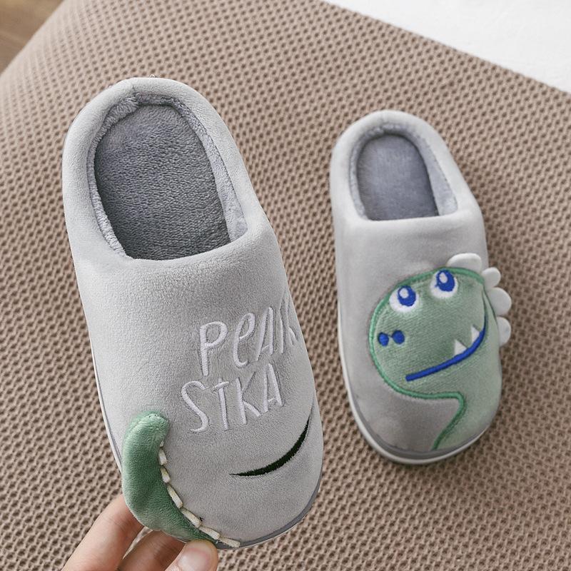 Otoño invierno de los muchachos de los deslizadores de las muchachas lindas del dinosaurio de Inicio Zapatos niños piel caliente Zapatilla Niños Inicio de bebé Zapatillas Zapatillas 201103