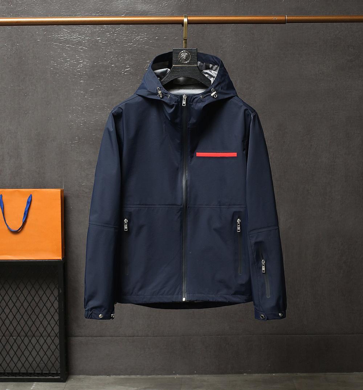 2020 Veste d'automne Mens Casual Mode Manteau de luxe Sweats à capuche surdimensionnée Tissu Nylon imperméable confortable Veste de poche à glissière imperméable