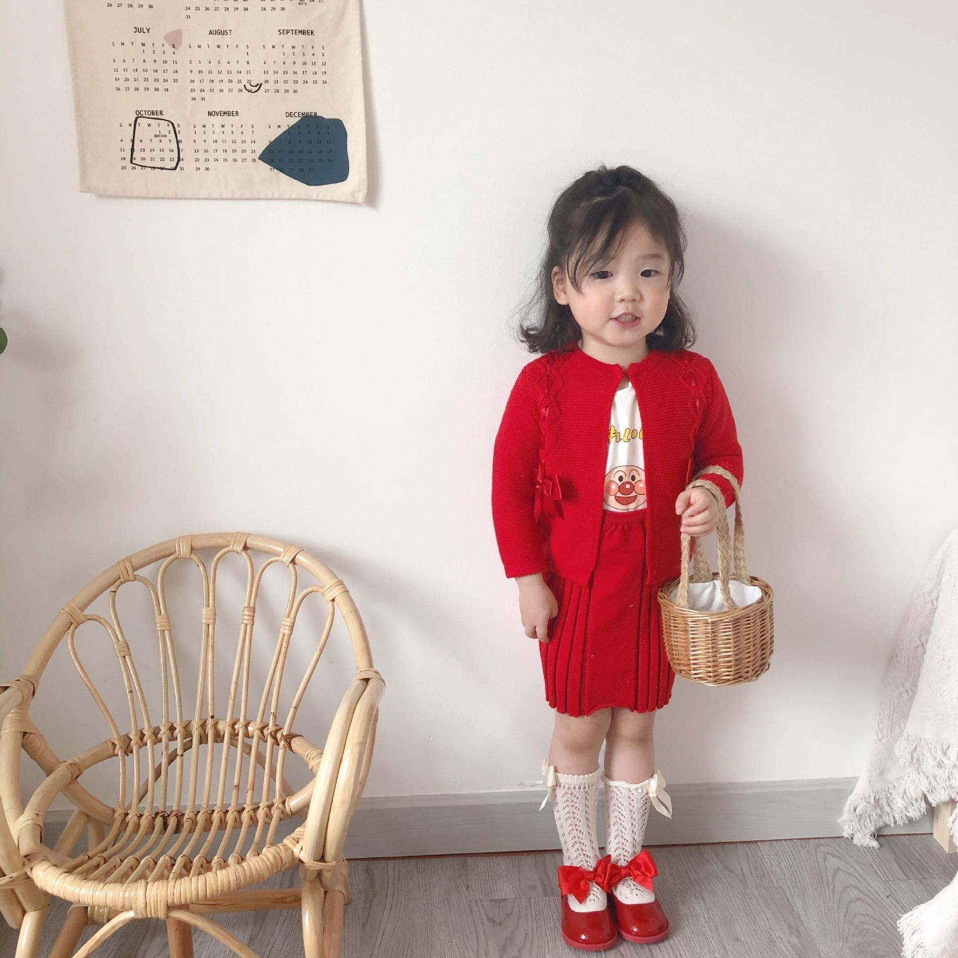 Baby Girl Spanish Ropa para bebés Chaqueta de punto para niños pequeños Estilo Preppy Ropa Set Niños Cardigan + Vestido de suspensión 0927