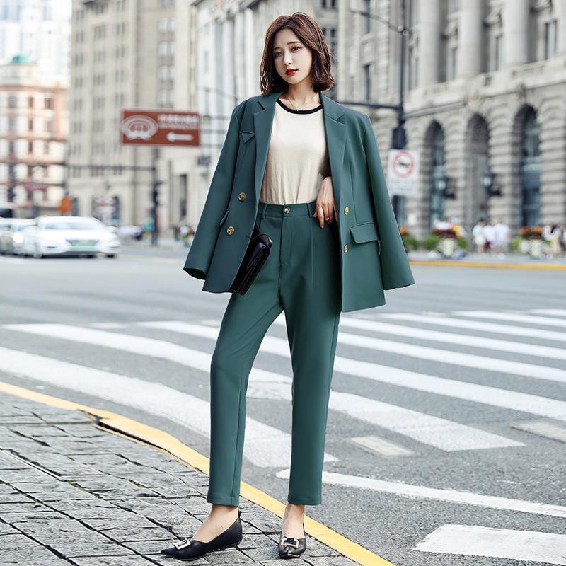 نساء قطعتين السراويل الأزياء على التوالي علبة الدعاوى أنثى 2021 في وقت مبكر الخريف الترفيه عرض صغيرتين بدلة معطف