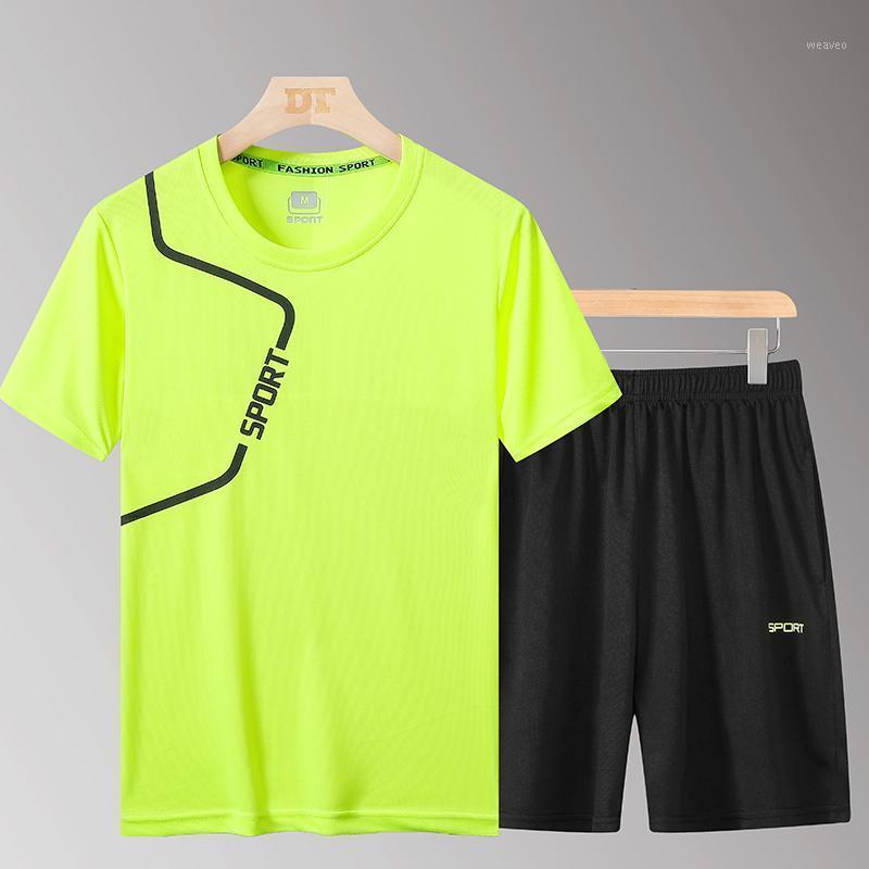 T-Crussusit Мужская футболка + шорты 2 штуки Устанавливает Новые Летние Мужчины Тренажерный зал Вод Спортивная одежда Установки Quick-Sharing Jogger Track Suit размер 4xL1
