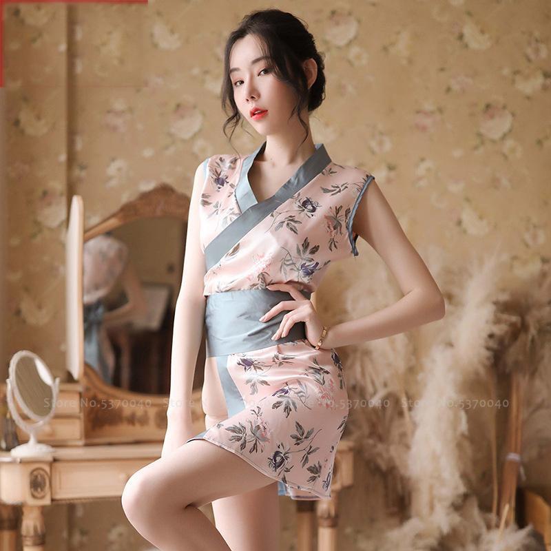 Frauen japanische Yukata Kimono Chinese Cheongsam Babydoll-Wäsche Uniform Karneval-Partei-Kleid Bademantel Kostüm Qipao Anzug