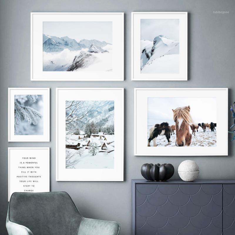 Картины Альпы Ice Mountain Mountain Smog Pine Forest Horse Wall Art Hanvas Живопись Nordic Pociers и Prints Фотографии для гостиной Decor1