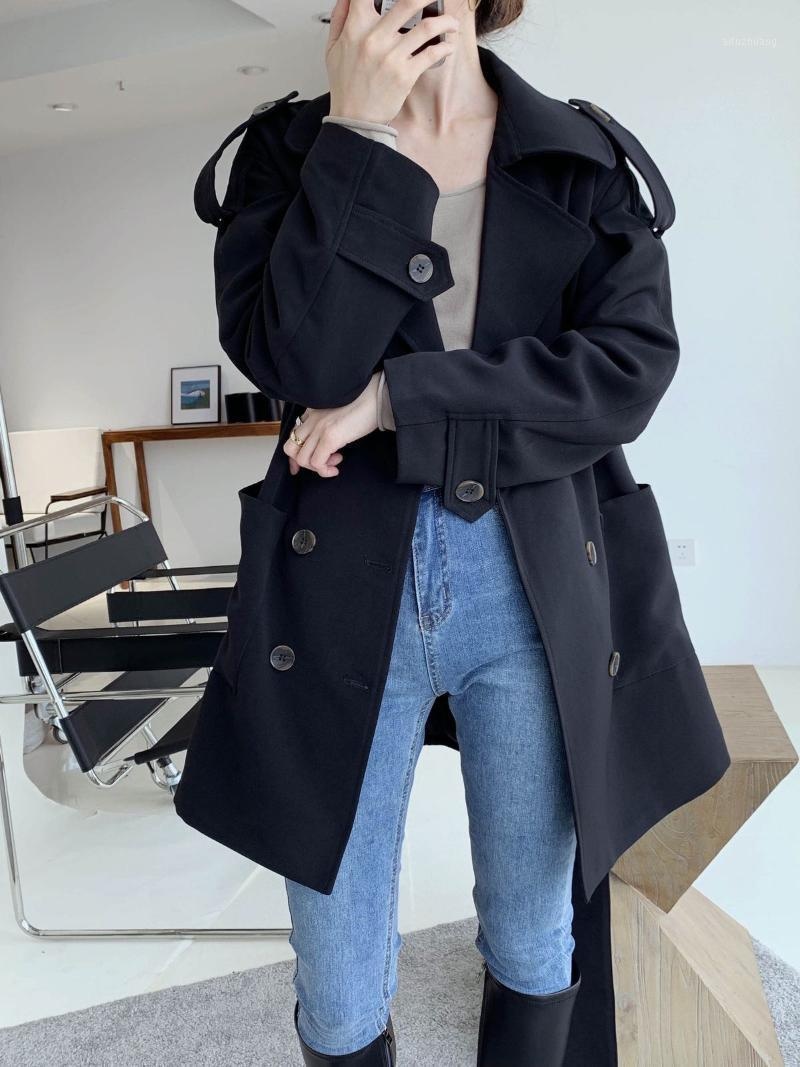 Женщины женские пальто 2021 осень корейского пригородного темперамента драка простые и свободные длины пальто с поясом1