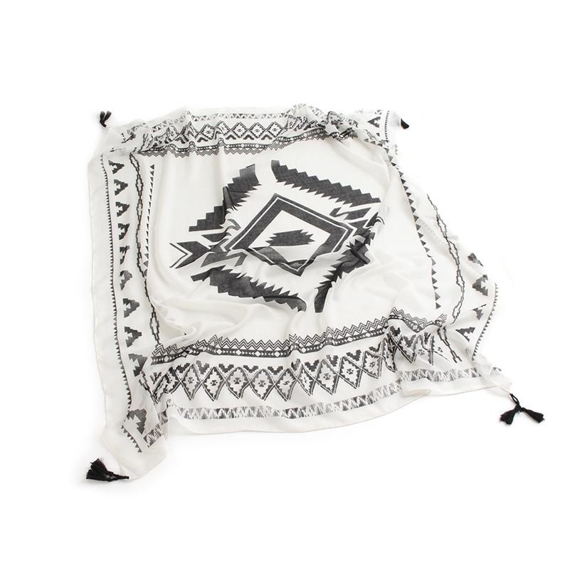 Black white geometric rhombus print 100% cotton square scarf with tassel hijab bandana lady thin voile scarves women shawl wraps Y201007