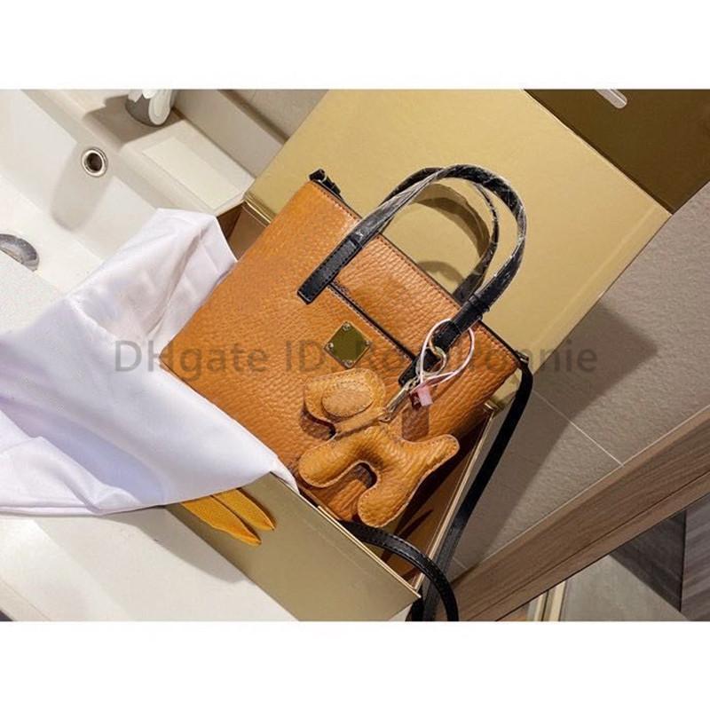2021 Nouveau designer de luxe M mode pendentif gratuit lettre ouverte dame embrayage sac dame mode shell shopping sacs sacs sacs sacs à bandoulière sacs