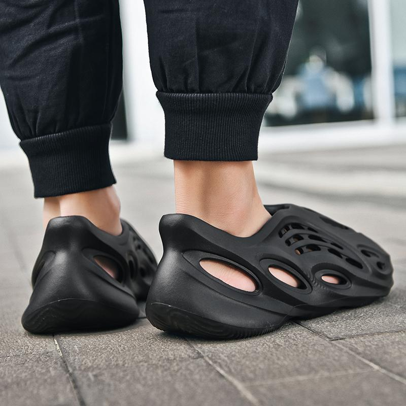 Nova chegada fresco sandálias verão buraco masculino deslizamento no respirável tamancos moda croc beach calçados espuma corredor plus tamanho 35-48 mx200617