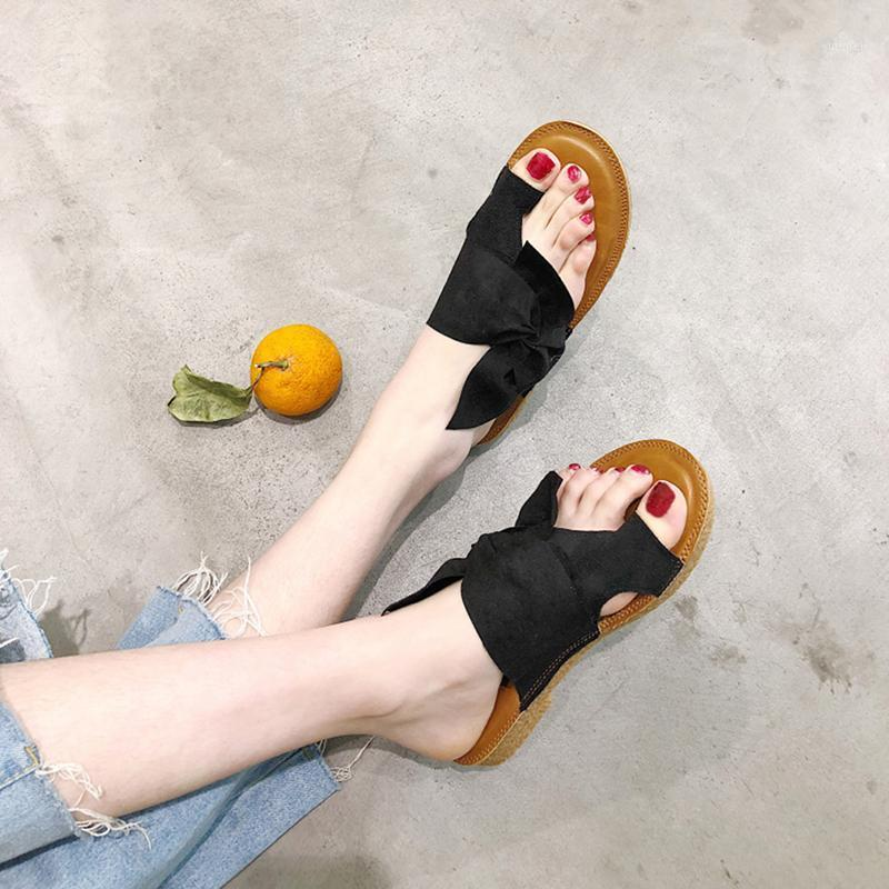 2020 Nuovo Vrouwen Zomer Pantofole in modalità Solid Vlinder-Knoop Vrouwen Schoenen Pantofole Ongedongen Strand Dames Plus Size1