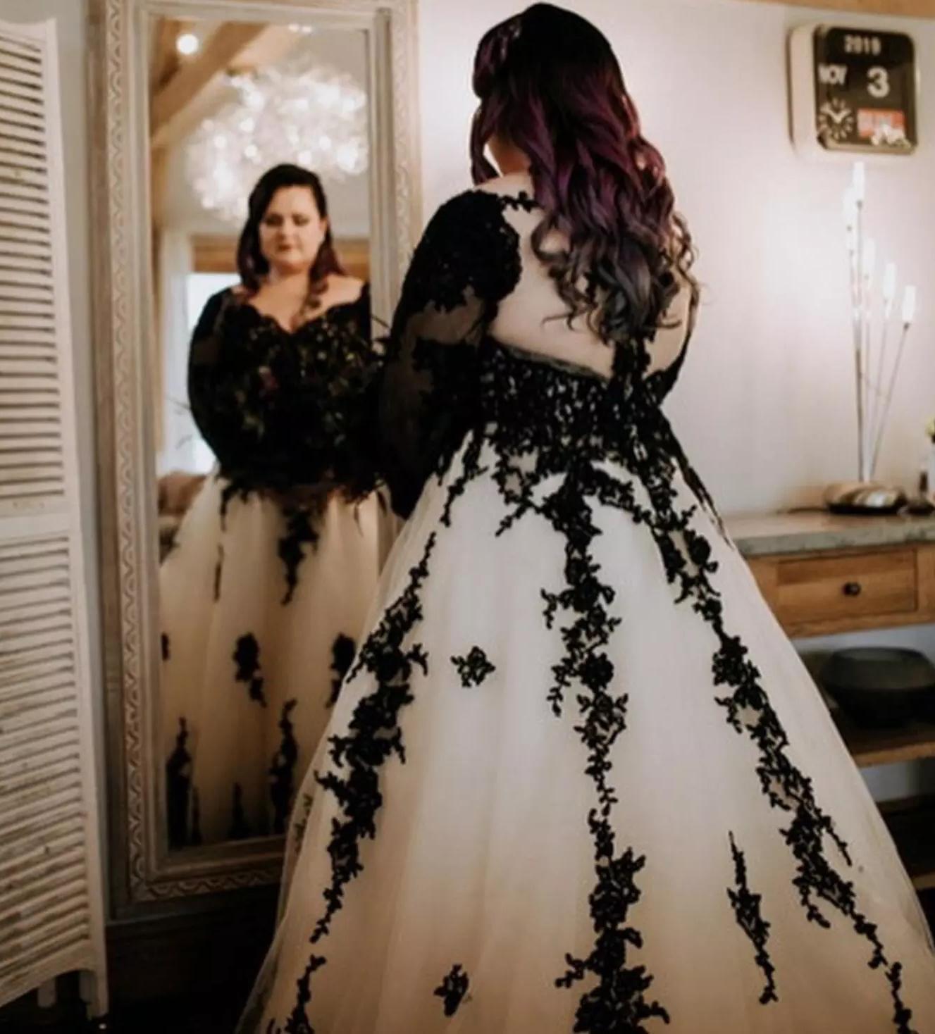 Плюс Размер A Line свадебное платье черный Аппликации Hollow назад с длинным шлейфом Свадебные платья сшитое Тюль V шеи Свадебные платья
