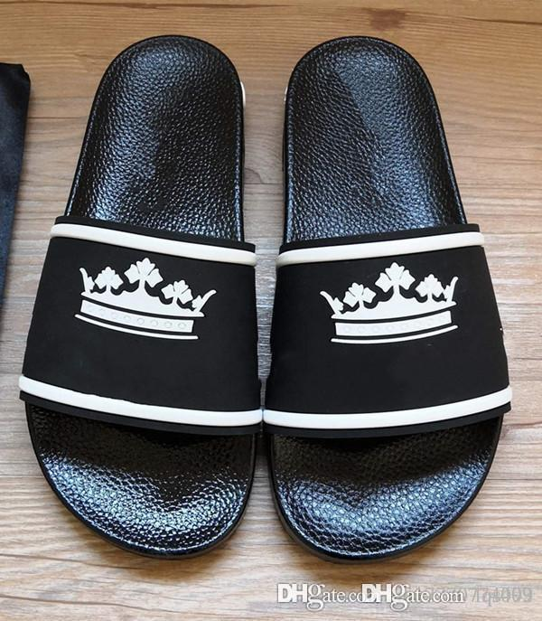 2020 new high-end fashion designer slippers sandals denim flat shoes men and women the same summer outdoor beach casual shoes leather back