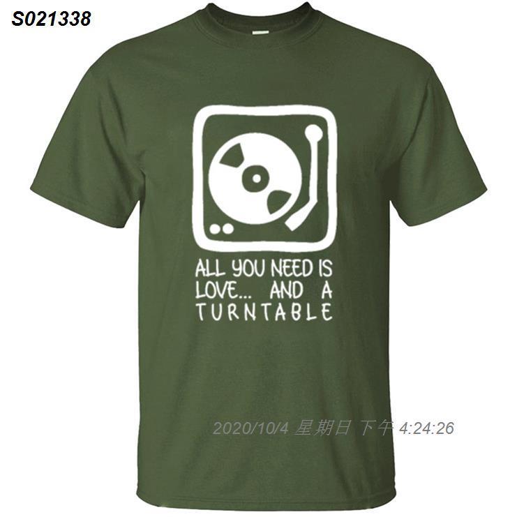 Moda Tudo que você precisa é t-shirt da música Dj amor e uma plataforma giratória para Mens 100% algodão cómico Adulto camisetas 2020 camiseta 73510