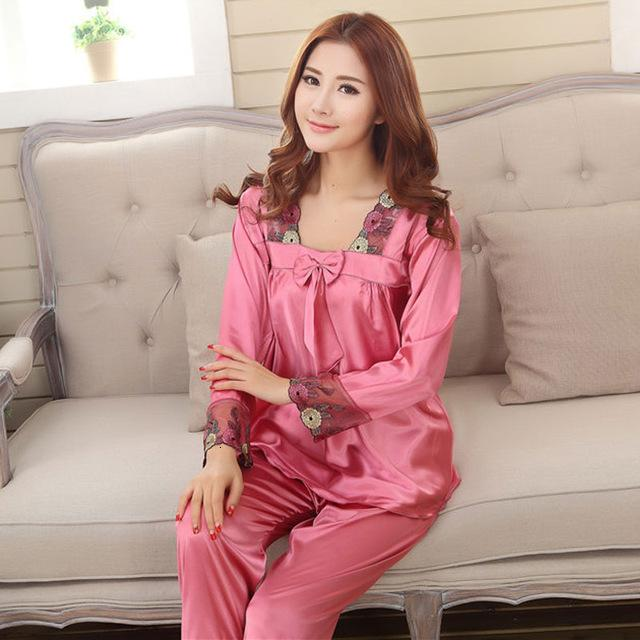 Printemps Automne Femmes bowknot Chine satin Sleepcoat Pantalons deux pièces de nuit Femme Plus Size Silk Stain Pijamas Set