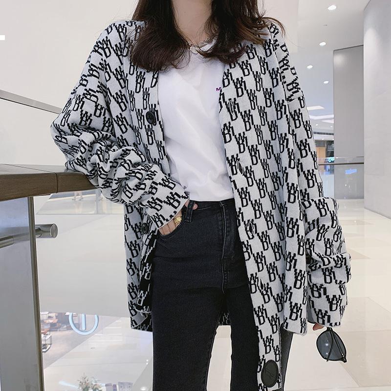 Knitted 2021 New Wool Cardgan Nightgown Mulher Designer de Inverno Roupas Luxo Kpop Estilo NWVX 5W7T